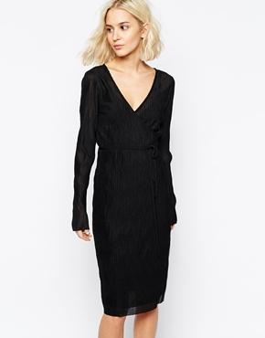 robe noire a pois blanc